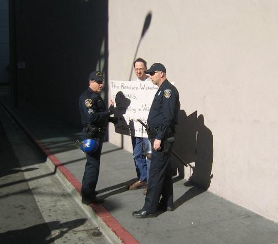 counter-protester1