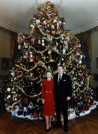 the reagans blue room tree - Christmas Tree White