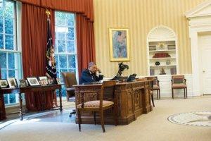 Obama-on-phone